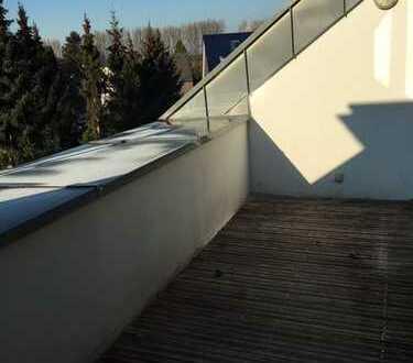 2 Zimmer + Empore & Dachterrasse mit Blick ins Grüne
