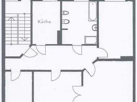 Renovierte 4-Zimmer-Altbau-Wohnung