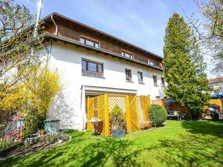 Familientraum: großzügiges u. modernes Reihenmittelhaus in ruhiger Lage von Amberg-Ammersricht