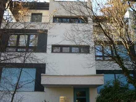 Schöne 3-Zimmer-Dachterrassen-Maisonnette-Wohnung in Solln ca. 90 qm