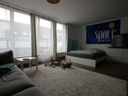 B-Schein erforderlich - renoviertes Appartement mit Balkon in Linden
