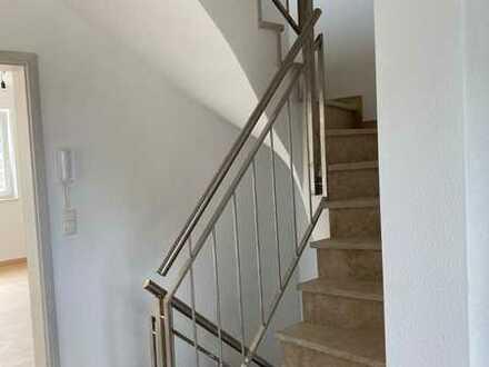 Schönes, geräumiges Haus mit fünf Zimmern in Augsburg (Kreis), Bobingen