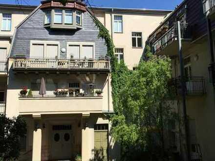 großzügige 2 Zimmer-Wohnung mit Balkon am Loschwitzer Elbhang