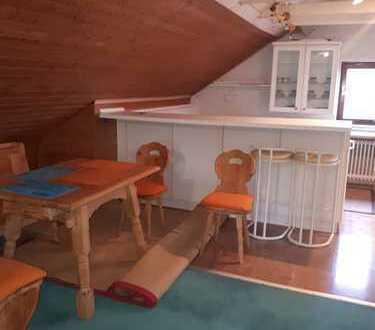 schönes Dachzimmer komplett möbliert, direkt am Kuhsee
