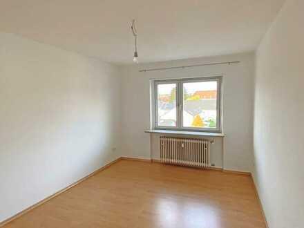 POCHERT IMMOBILIEN - Schöne gepflegte 3-Zimmer-Wohnung mit Balkon