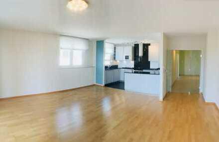Moderne 4,5-Zimmer-Wohnung mit Balkon und EBK in Lörrach