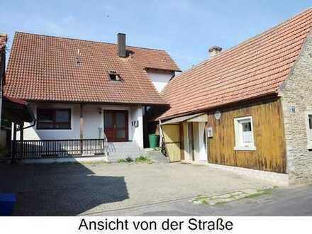 ### Zweifamilienhaus mit separatem kleinen Gastwirtschaftsgebäude ###
