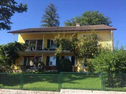 Helle freundliche 4-Zimmer-Wohnung mit großem Balkon und Gartenmitbenutzung in Starnberg-Leutstetten