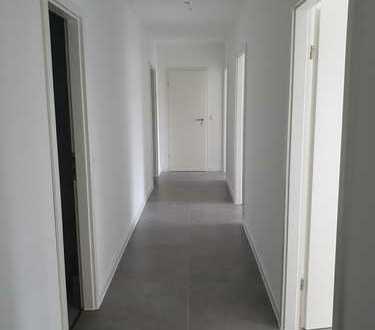 Erstbezug nach Sanierung: ansprechende 4-Zimmer-Wohnung mit Balkon in Koblenz