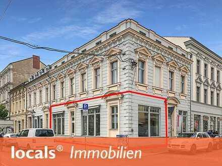 Im Alleinauftrag: Eckladen mit großer Schaufensterfront in zentraler Innenstadtlage!
