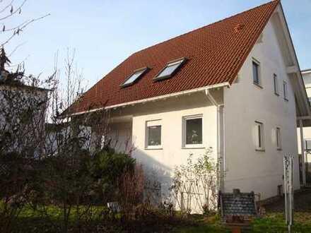 NEU! Freistehendes EFH mit Garten und Carport + ELW in toller Lage von Stut.-Blankenloch