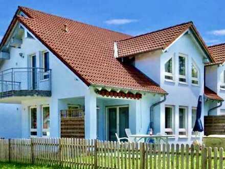 Erstbezug nach Sanierung mit EBK und Balkon: attraktive 4-Zimmer-Wohnung in Fichtenberg