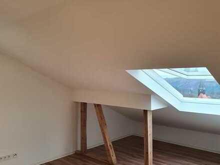Erstbezug. Gemütliche 2-Zimmer-Dachgeschosswohnung mit EBK in Lichtenwald