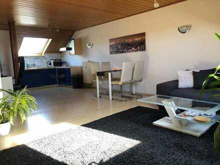 Gepflegte 2-Zimmer-DG-Wohnung mit EBK in Kleinwallstadt