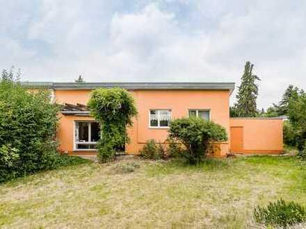 Handwerker gesucht - Bezugsfreie Doppelhaushälfte in ruhiger Umgebung von Berlin-Lankwitz