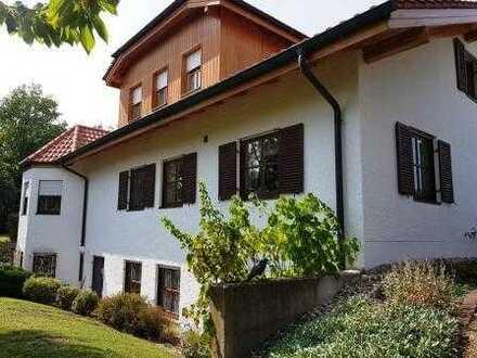 repräsentative Villa in Bestlage mit Pool und ELW von Burghausen