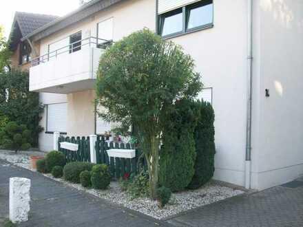 Gepflegtes,ruhiges 6 Parteienhaus mit Balkon oder Terrasse/Garten für jede Wohnung, in Brühl-Eckdorf
