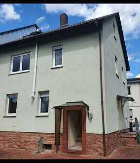 Neuwertige 6-Zimmer-Doppelhaushälfte mit Einbauküche in Bürgstadt
