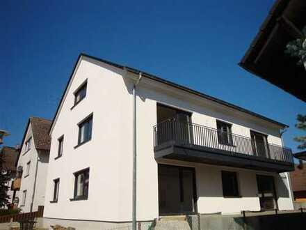 Komplett hochwertig saniertes 3-FH (bezugsfrei) mit 2 Garagen/ 1Carport in Ettlingen-Bruchhausen!