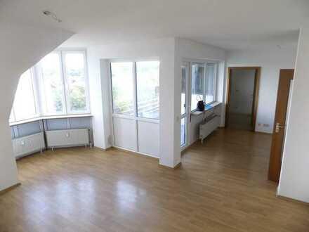 Geräumige und helle Wohnung im Limburgerhof mit Einbauküche