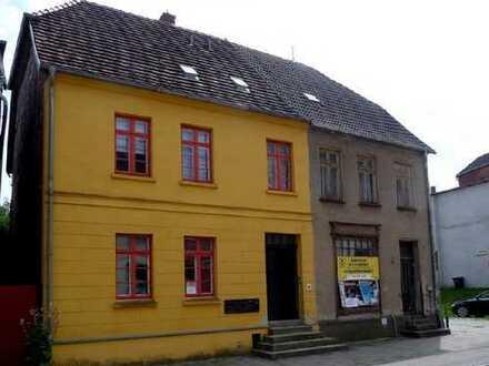 2-Raum-Wohnung oder Büroeinheit in der Malchower Innenstadt