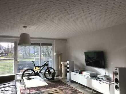 schön gelegene helle großzügige 2 Zimmer Wohnung+TG-Stellplatz, frei am 1.4/Fasanenhof