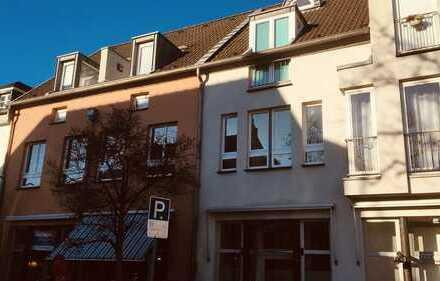 Lechenich-Altstadt! 3-Zimmer-Wohnung mit Sonnenterasse und Einbauküche
