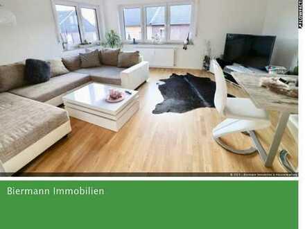 Schöne sanierte 4-Zimmer-Wohnung mit Einbauküche + Balkon in Jülich-Broich
