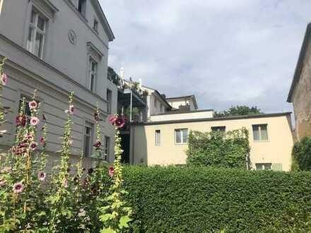 *Wohnen in direkter Nähe zum Schloss Sanssouci* *DENKMALGESCHÜTZ UND TOP-SANIERT*mit Dachterrasse