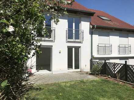 """KL - Erfenbach, RMH mit 168m² Wohnfläche, EBK, Garten, Gäste WC, Stellplätze """"APPROVED"""""""