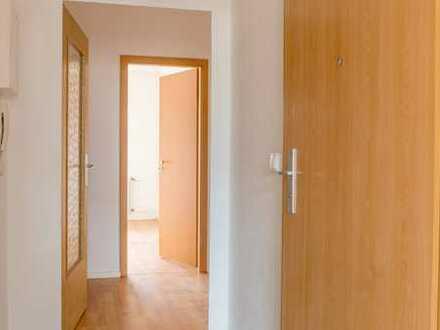 Helle 2 Zimmerwohnung + Einbauküche auf wunsch verfügbar