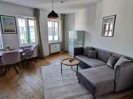 Exklusive, neuwertige vollmöblierte 2-Zimmer-Wohnung mit Einbauküche mit Blick zur Frauenkirche