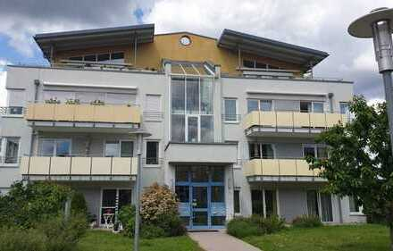 Betreutes Wohnen ab 60 J.: Renovierte 1-Zimmer-Wohnung mit Terrasse und Küche in Pforzheim