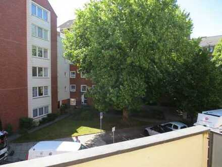 Single-Appartment mit Balkon, renoviert, zentral nahe Weser