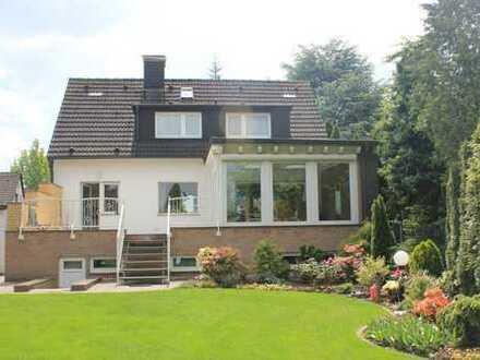 +++Gepflegtes freistehendes Einfamilienhaus mit Wintergarten und großem Garten+++