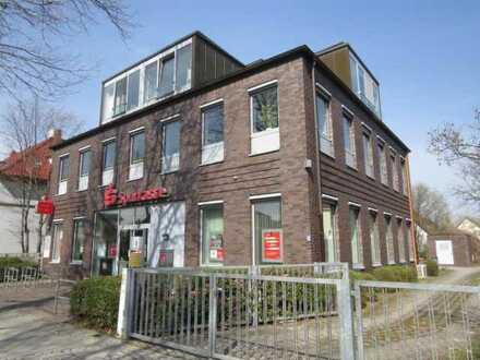 Attraktives, modernes Wohn- und Geschäftshaus in bester Kernlage am S-Bahnhof-Karow in Berlin-Pankow