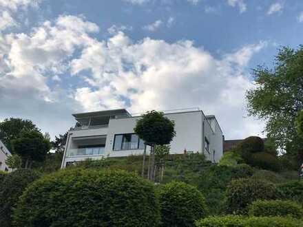 Exklusive Mietwohnung in Zentrumsnähe mit Terrasse, Fahrstuhl, Einbauküche und toller Aussicht