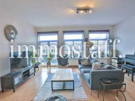 ALTBAUCHARME MEETS CITY! 3-Zimmer-Mietwohnung mit Balkon in zentraler Lage!