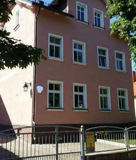 Immobilie mit 5 Wohnungen, bestehend aus Vorder- und Hinterhaus / Kapitalanlage