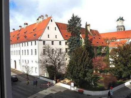 Erstbezug nach Renovierung: moderne, stilvolle Stadtwohnung mit wunderbarem Ausblick!