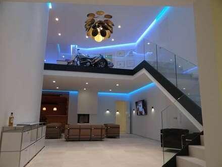 Herrschaftliches Wohnen in modernisierter Villa mit 2 weiteren Wohnungen und Schwimmbad inklusive