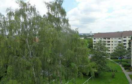 Schöne 3 Zi.-DG-Wohnung mit Balkon in ruhiger Lage im Musikerviertel