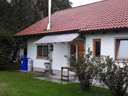2,5-Zimmer-Erdgeschosswohnung (Häuschen) mit Terrasse und Garten in Ottobeuren