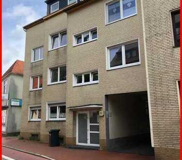 Großzügige 2-Zimmer-Obergeschosswohnung mit Balkon und Stellplatz