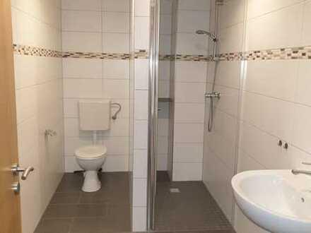 Attraktive und vollständig renovierte 3-Zimmer+Küche - Bad-Doppelhaushälfte zur Miete in Gimbsheim,