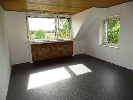 **Schöne 3- Raum Wohnung in ruhiger Lage, mit Garage**