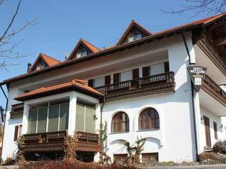 Für Kapitalanleger: Vermietetes Apartmenthaus Hotel Nähe A8 Burgau in Burtenbach