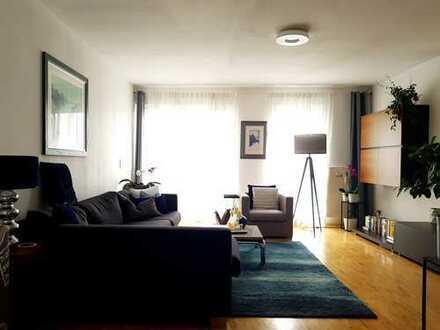 Hochwertige helle 2-Zimmer-Wohnung mit Balkon