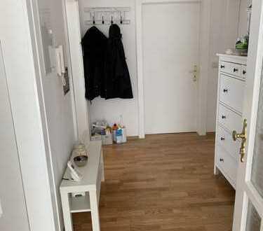 Gemütliche 3,5 Zi. Wohnung in Stadtnaher Lage in Schweinheim. Neues Bad, Erstbezug n. Modernisierung