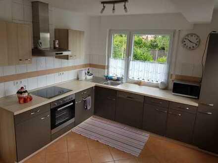 900 €, 94 m², 4 Zimmer